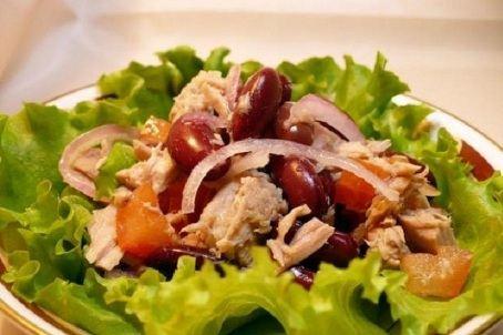 Минимум три раза в неделю надо есть зеленый салат