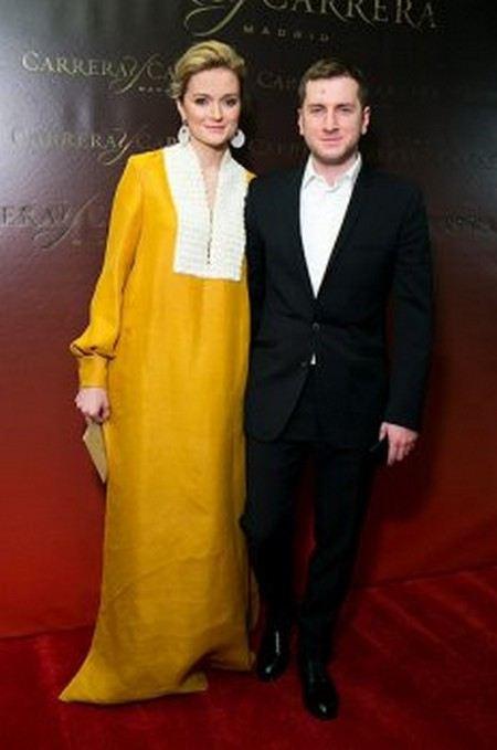 Надя Михалкова опозорилась в своем платье во время вручения премии «Золотой Орел».