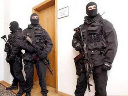 Правоохранительные органы пришли с обысками в кабинет и в резиденцию губернатора Кировской области Никиты Белых