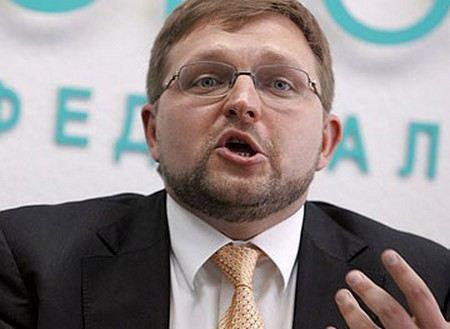 Кировский губернатор Никита Белых приехал на допрос.