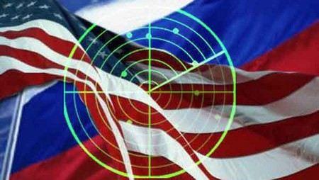 Эксперты-международники дали прогноз развития дипломатических отношений между США и Россиий.