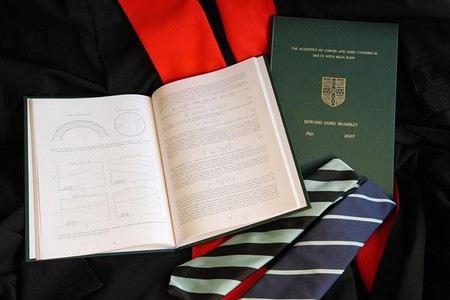 Минобразование проверяет фальсифицированные диссертации в МПГУ.