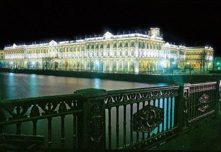 Государственный Эрмитаж повысил цены на билеты, но только для россиян и белорусов.