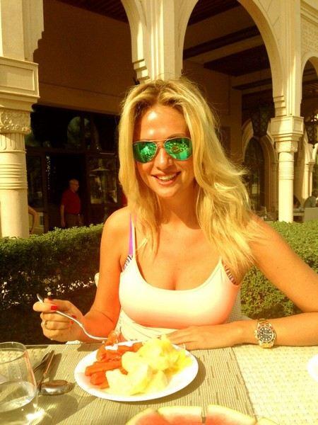 Витории Лопырева рассказала, что нужно пить по утрам, что делать тем, кому экзотическая пища недоступна.