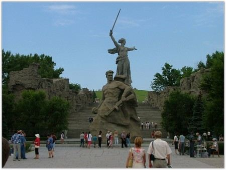 Валентина Матвиенко предложила решить вопрос о переименовании Волгограда в Сталинград через референдум.