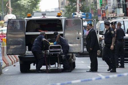 В США в Калифорнии перевернутся туристический автобус. 10 человек погибли, еще 27 получили ранения.
