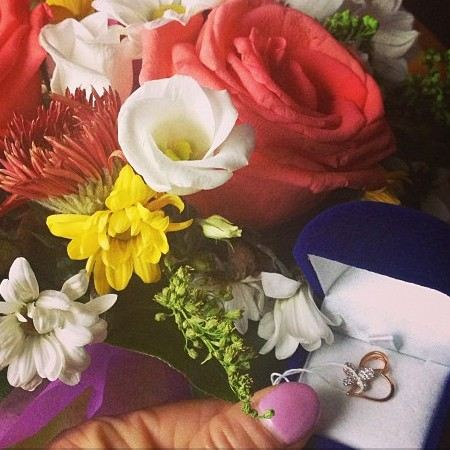 Корнелия Манго не заметила подарка, который ей сделал поклонник.