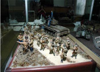 Сталинградцам показали в миниатюре уникальную военную технику
