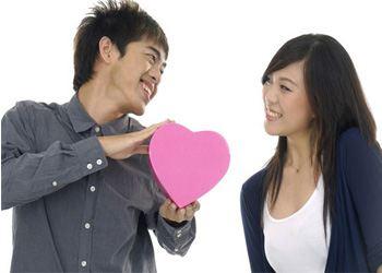 В Японии в этот день проводят конкурс на самое страстное любовное признание