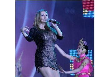 Анна Семенович выступила на сцене без нижнего белья