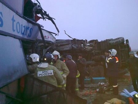 В Волгоградской области в аварию попал рейсовый автобус и КАМАЗ.