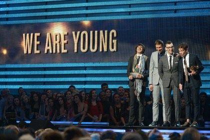 Группа Fun за композицию We Are Young взяла «Грэмми» в Лос-Анджелесе