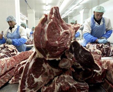 В Россию с сегодняшнего дня запретили ввозить мясо и мясные продукты из США.