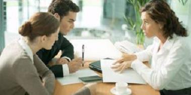 Нотариус может разъяснить все пункты контракта