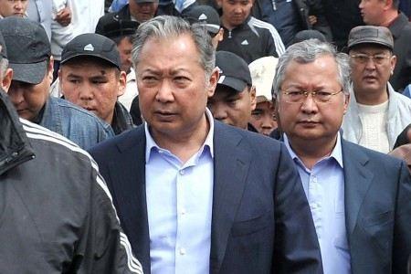 Суд в Киргизии вынес приговор бывшему президенту Курманбеку Бакиеву и его брату Жанышу Бакиеву.
