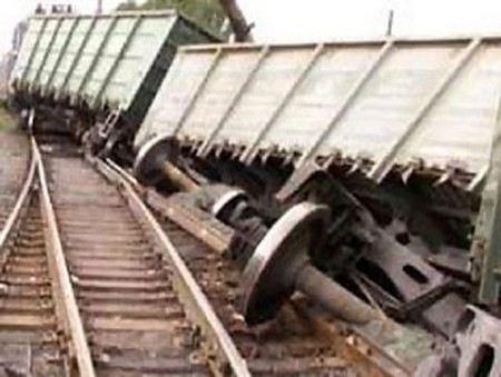 В Хабаровском крае с рельс сошли 5 вагонов грузового поезда.