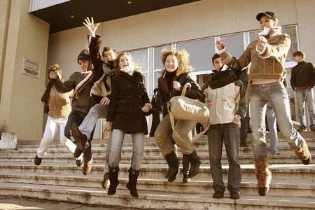 Дмитрий Медведев рассказал, что будет со стипендиями для студентов в России.