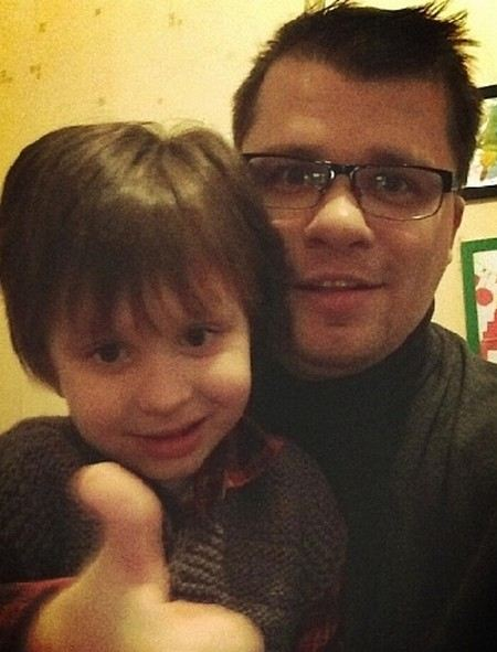 Гарик Харламов показал фото сына.