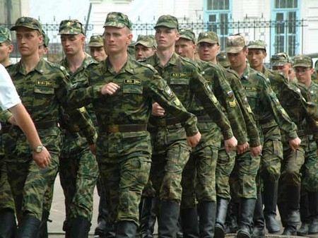 Учащихся военных кафедр предлагают отправлять в армию на лето.