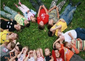 Более половины школьников Пскова отдохнут в летних лагерях