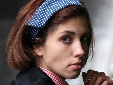 Участница панк-группы Pussy Riot Надежда Толоконникова заболела.