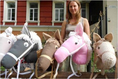 Инесc и ее лошадки