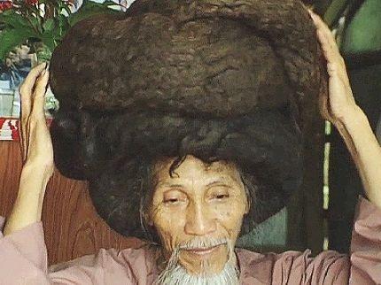 Tran Van Hai and his hair