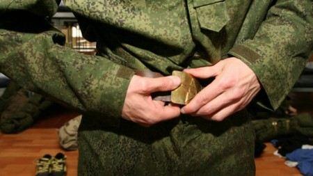 Российская армия откажется от ремней с латунной пряжкой.