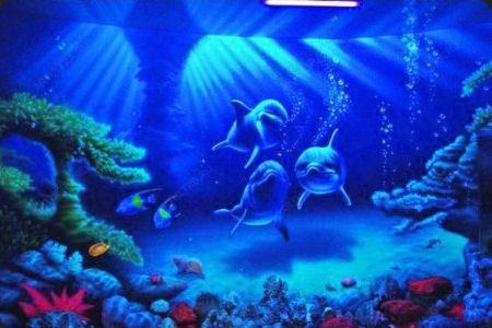 Потолок, написанный флуоресцентными красками