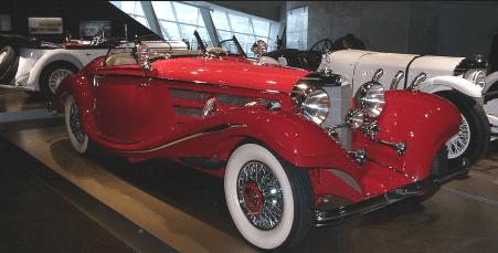 В музее выставлено более 20 авто