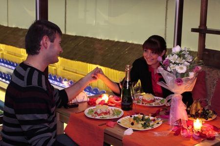 Женщины предпочитают романтический вечер