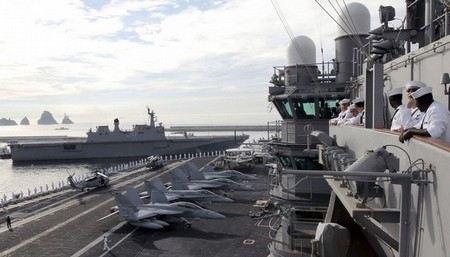 Южная Корея и США проводят военные учения.