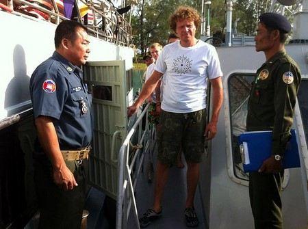Сергей Полонский рассказал правду о тюрьме в Камбодже.
