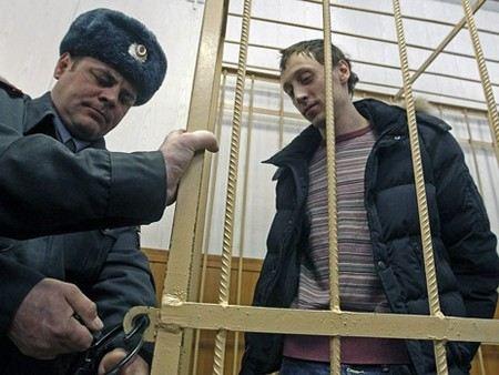 Павла Дмитриченко хотят сделать невиновным в деле о нападении на худрука Большого театра.