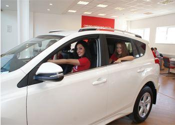 Toyota RAV4 четвертого поколения представили 16 марта