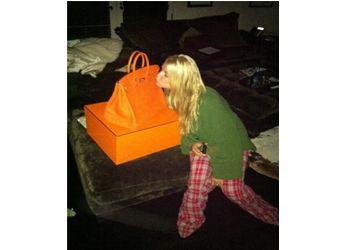Джессике Симпсон Эрик Джонсон подарил сумку Birkin за 15 000 долларов