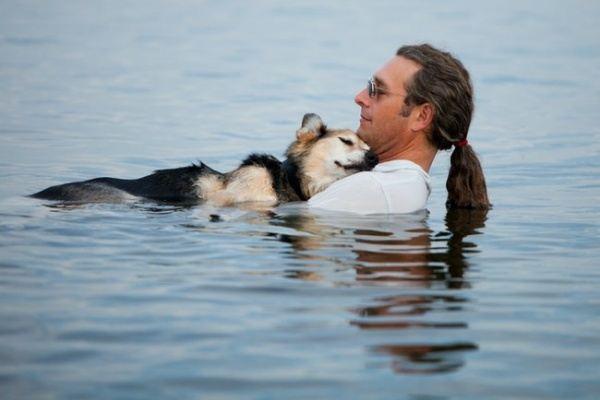 Джон и его больной пес