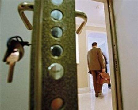 Выявлена преступная группа, которая похитила у Минобороны более 150 квартир.