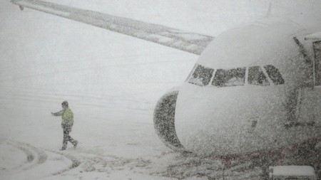 В Москве идет сильный снег.