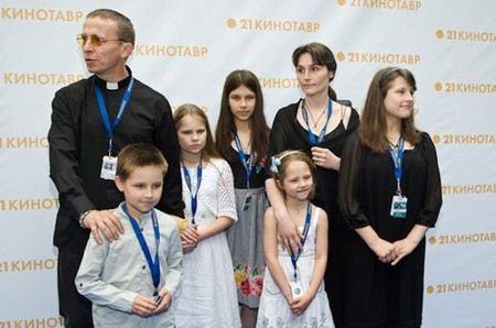 Иван Охлобыстин обещал принять целибат.