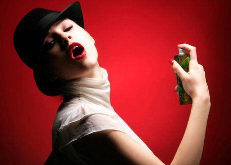 Искушение — это духи, которые вдыхаешь до тех пор, пока не захочешь иметь весь флакон