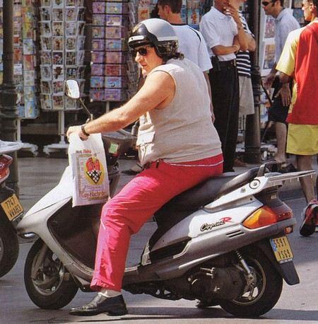 У Жерара Депардье украли скутер.