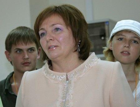 Жена Владимира Путина Людмила впервые за долго время вышла на публику.