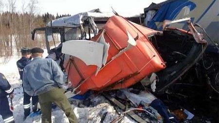 Пятеро детей, пострадавших накануне в аварии под Вологдой доставлены в Санкт-Петербург.