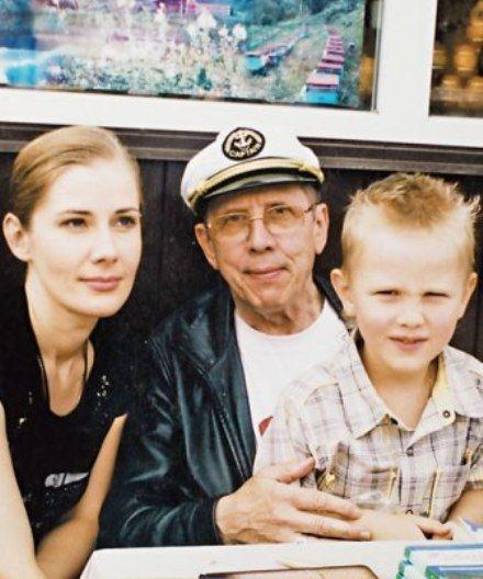 Valery Zolotukhin with his family