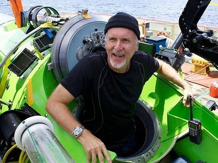 James Cameron reaches the deepest point of the ocean