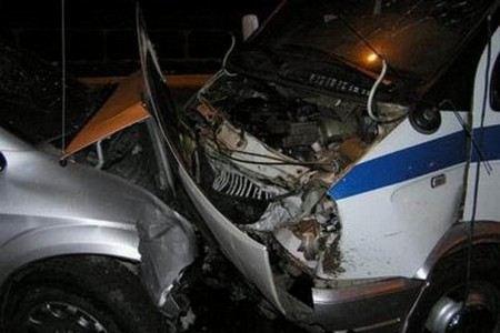На Кузбассе в аварии с полицейской ГАЗелью погибли 4 сотрудника правоохранительных органов, пострадали еще 13.