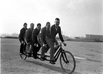 В прошлом веке создали велосипед на 5 мест