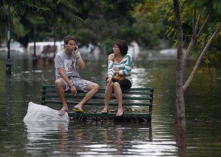 В Аргентине объявлен трехдневный траур по погибшим в результате наводнения.