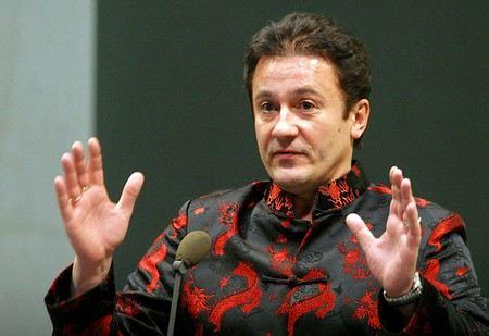 Олег Меньшиков хочет здесь из Театра им. Ермоловой театральный центр